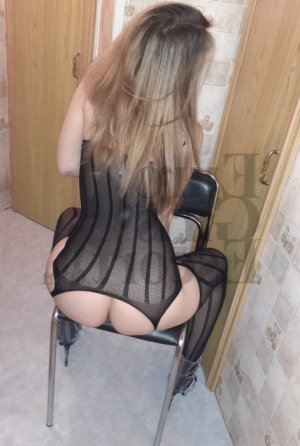 Meloee escort girl and nuru massage