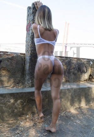 Nouara erotic massage, live escort