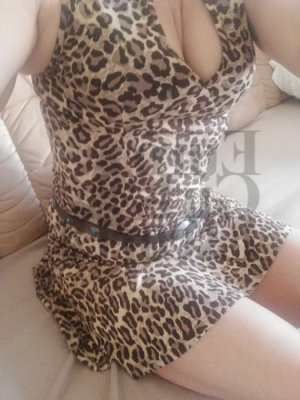 Annelie nuru massage in Crossville, escort