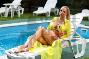 Anne-martine tantra massage & call girls