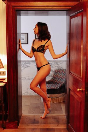 Bessie tantra massage in Naples