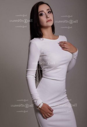 Alimatou erotic massage in Orlando, escorts