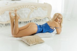 Terena live escorts in Brownsville and nuru massage